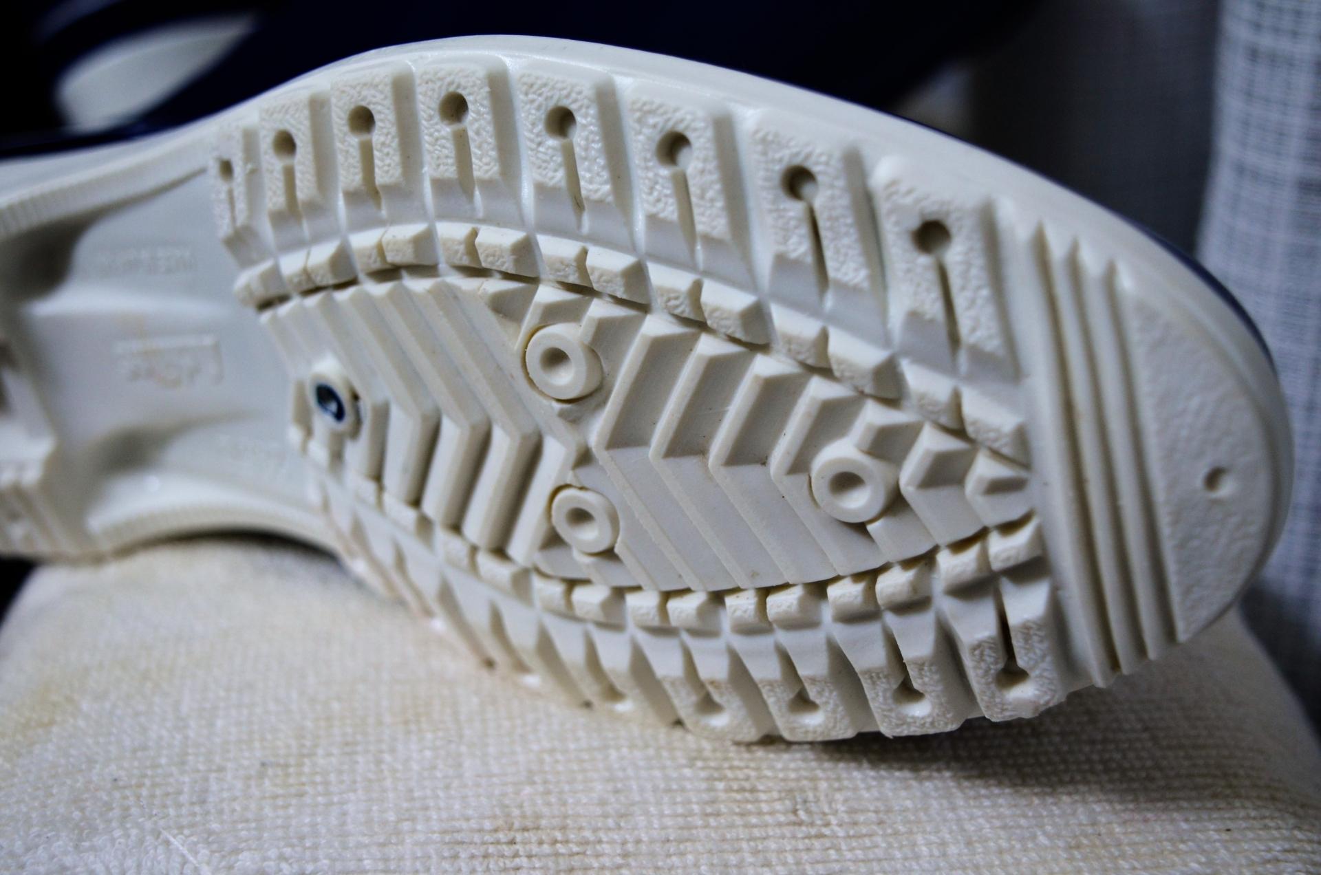 簡単に装着できる雪道用滑り止めを購入!道路凍結時も安心の靴対策!